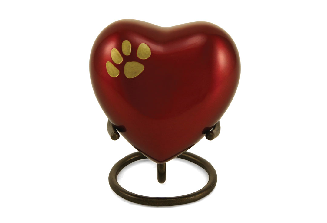 Keepsake Heart - Odyssey Single Paw Crimson Image